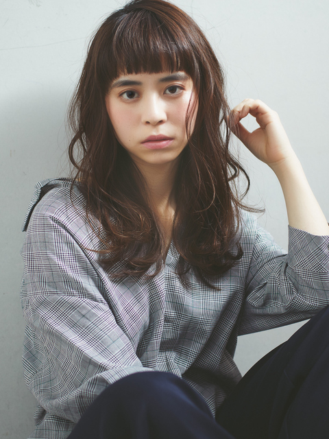 ぱっつん前髪×オン眉スタイル