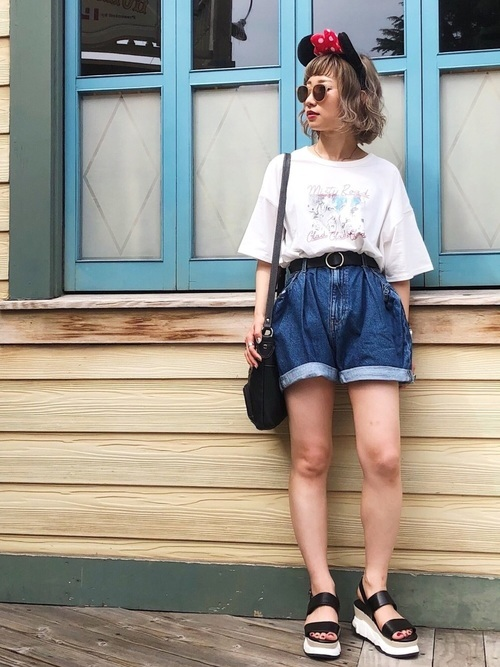 Tシャツ×ショートパンツコーデ
