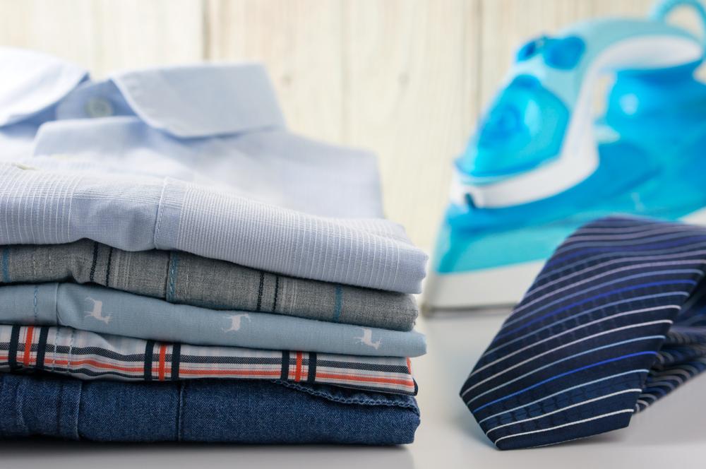 ネクタイとシャツのアイロンがけ