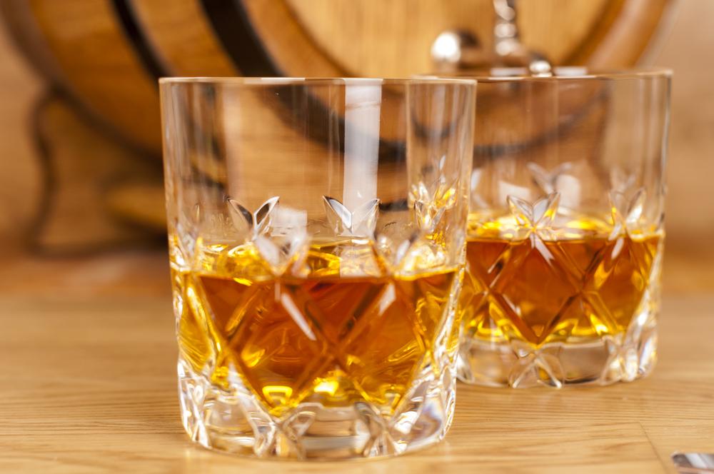 グラスとウイスキー