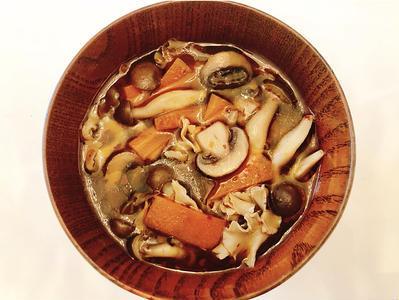 きのこと人参の洋風火鍋スープのレシピ