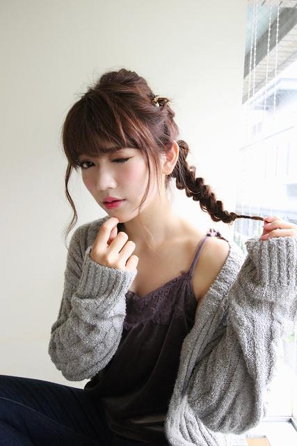 シンプルな三つ編みヘア