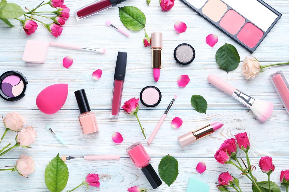 ピンク系の色味のコスメ