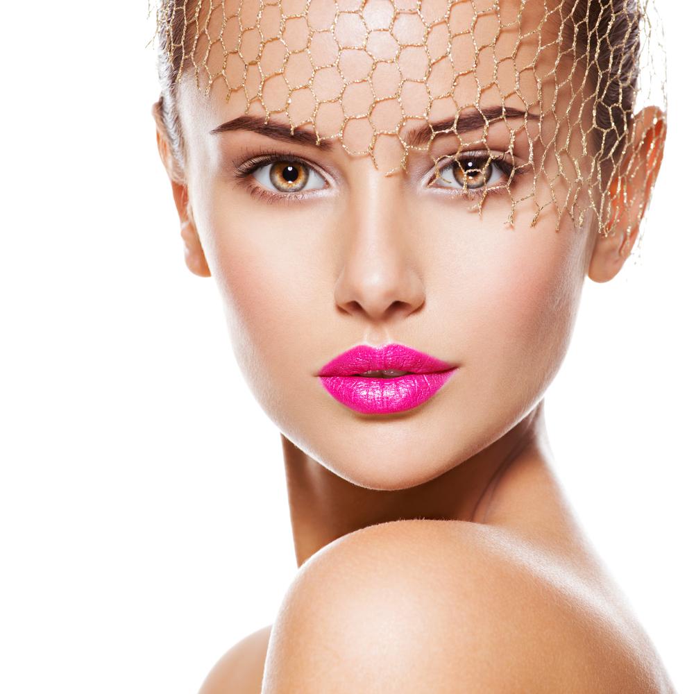 濃いめの化粧の女性