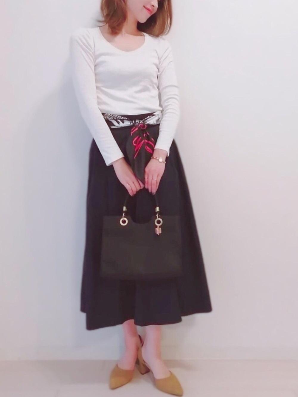 スカートを使った保護者会コーデ