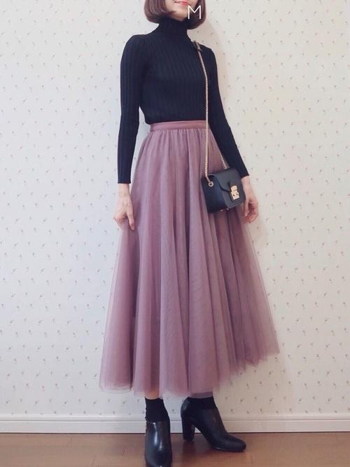 黒タートル×ピンクのチュールスカート