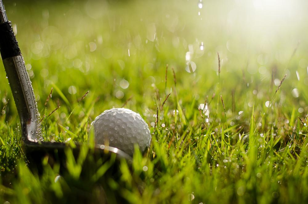 雨の日のゴルフの写真