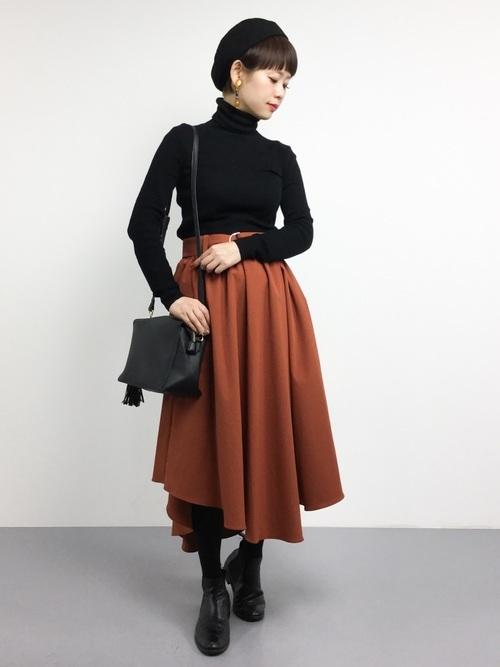 ミディ丈スカートを使ったグッドガールコーデ