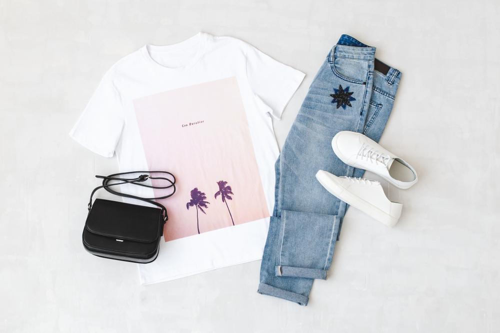 着替えのTシャツやデニム