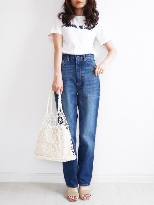 Tシャツ×デニム×フィッシュネットバッグ