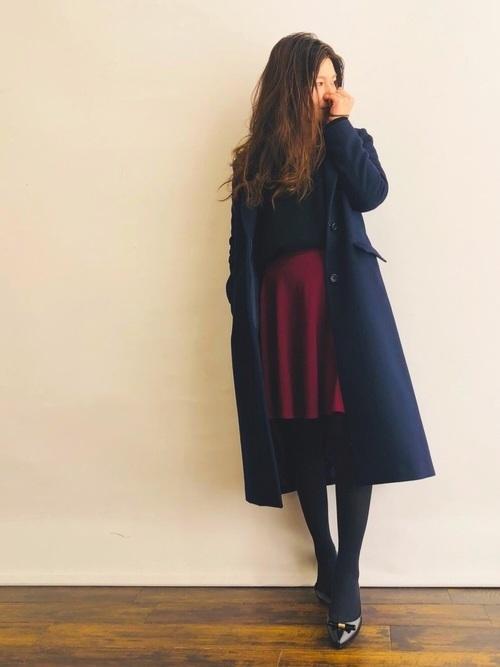ネイビーコートとフレアスカート