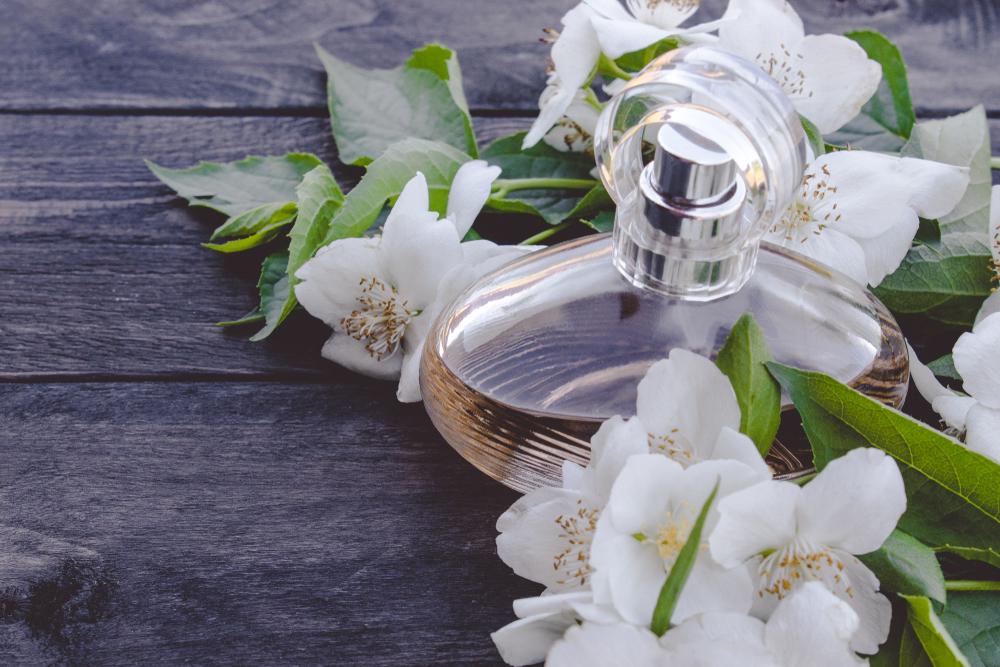 ジャスミンの香水