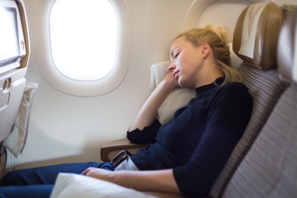 飛行機内での睡眠