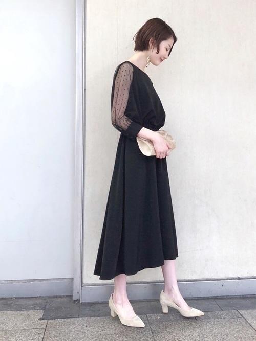 黒ワンピースを使った定期演奏会の服装