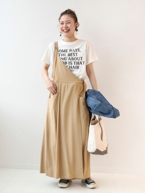 プリントTシャツを使ったワンショルダーワンピースコーデ