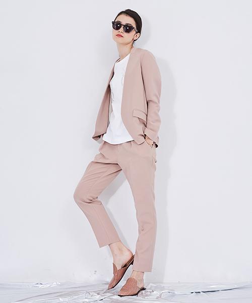 くすみピンクのセットアップ