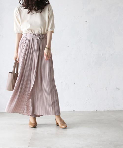 くすみピンクのプリーツスカート