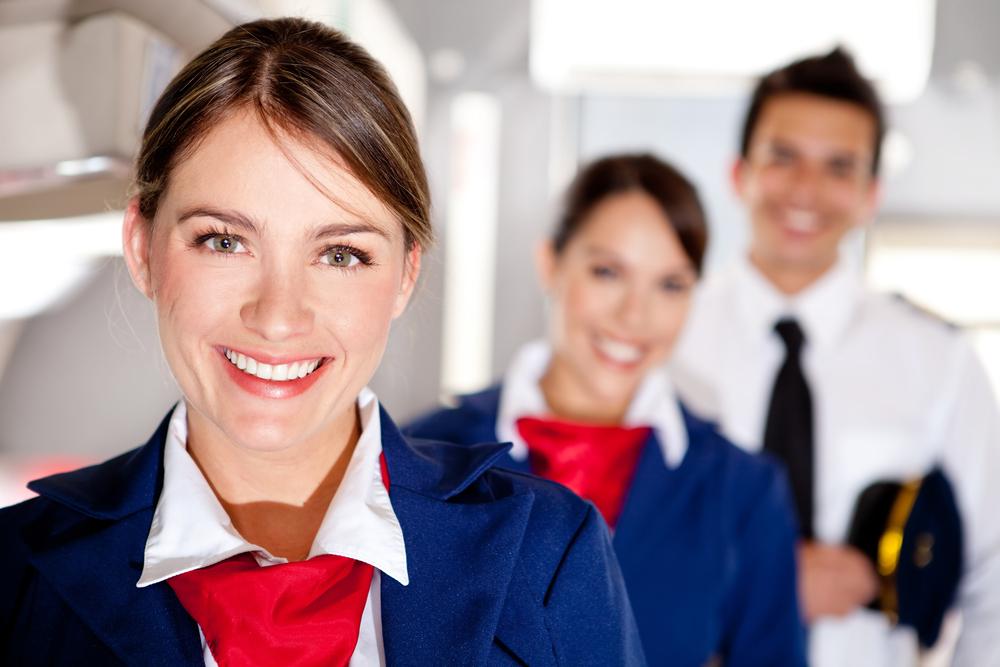 客室乗務員とパイロット