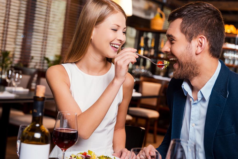 オシャレなレストランでの理想のデート