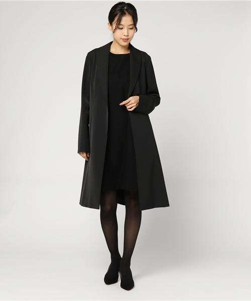 冬のブラックフォーマルのコートを使ったコーデ