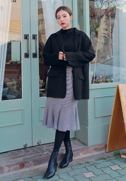ウールコートを使ったお台場デートの服装