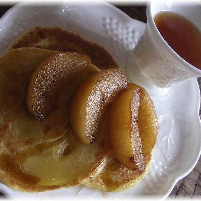 梨のカラメル煮添えホットク