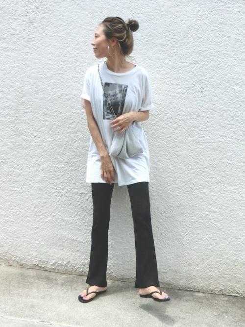 Tシャツを使ったリブフレアパンツコーデ