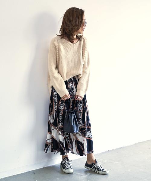 ニット×スカーフ柄スカート