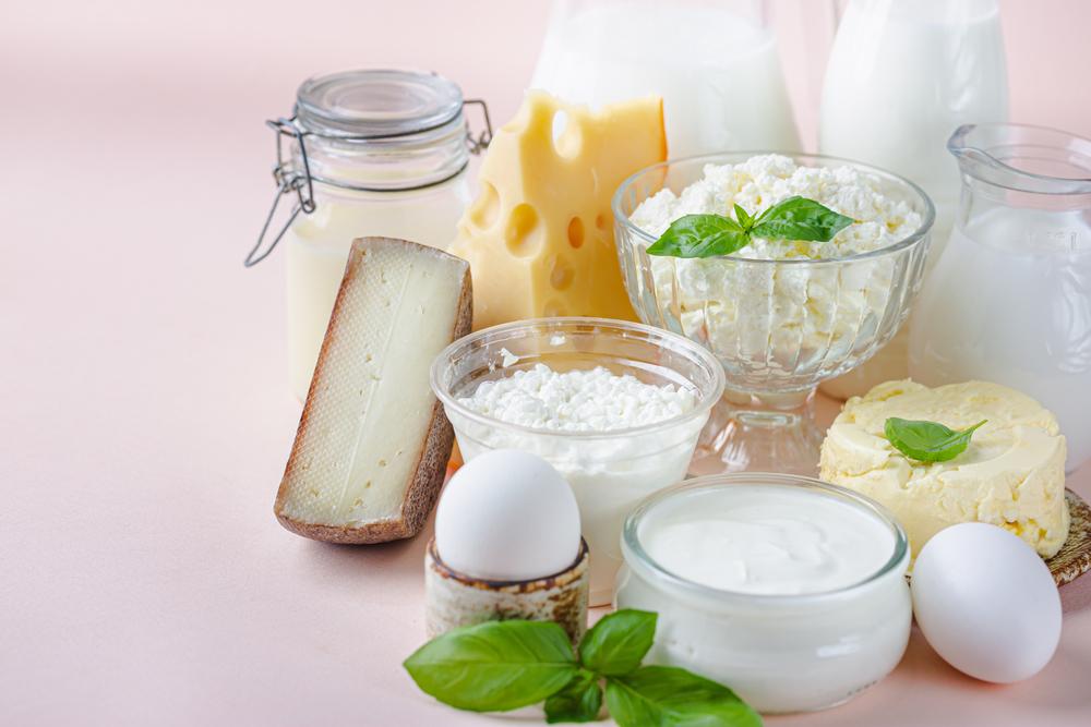 バスクチーズケーキに使うクリームチーズや生クリーム