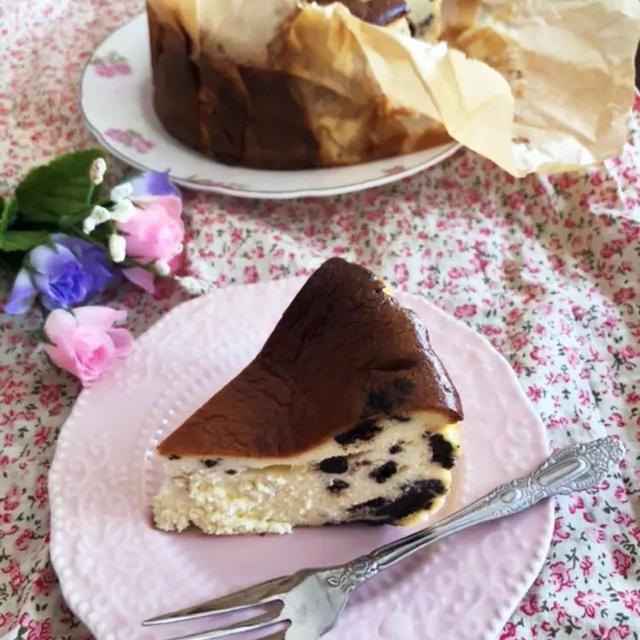 バスク風チーズケーキ クッキー&クリーム味レシピのレシピ