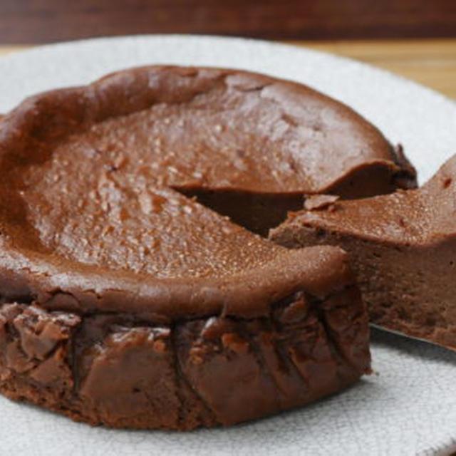 簡単!チョコバスク風チーズケーキ~チョコバスチーのレシピ