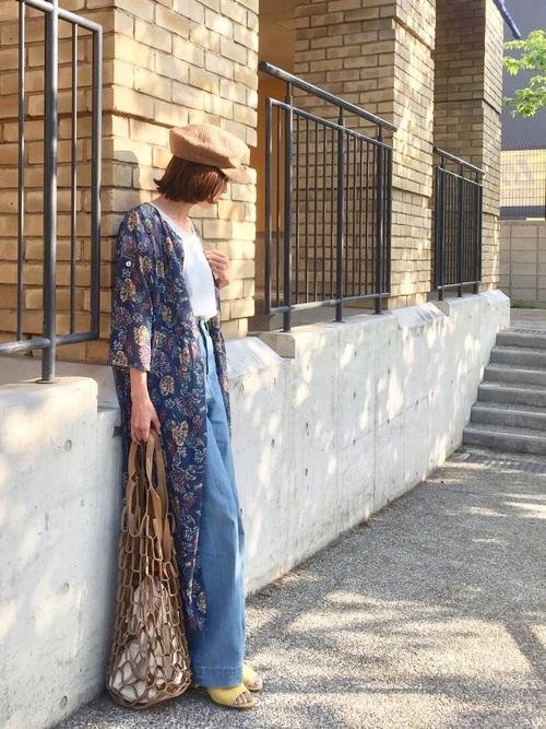 シフォンワンピースを羽織るコーデ