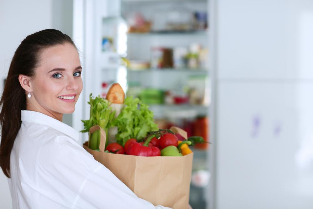 食事のバランスに注意している女性