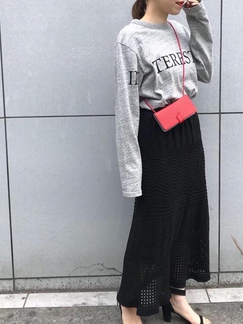 黒のニットスカートを使った春コーデ