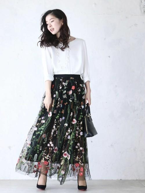 野花刺繍のロングチュールスカート