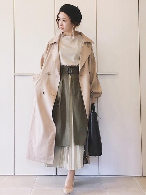 トレンチコート×カーキトレンチスカート