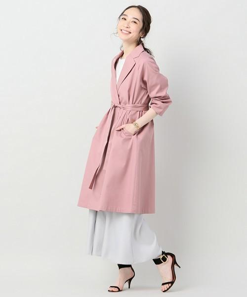 ピンクの薄手コート