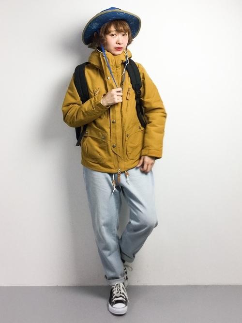 ジャケットを使った雨の日のフェスの服装
