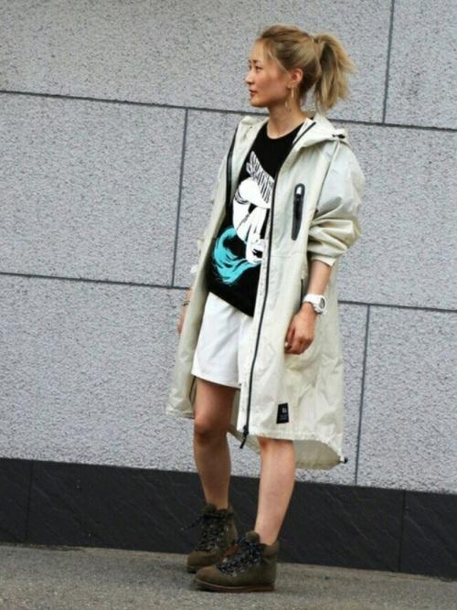 レインジップアップブルゾンを使った雨の日のフェスの服装