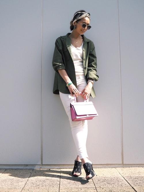 40代におすすめの緑ジャケットコーデ