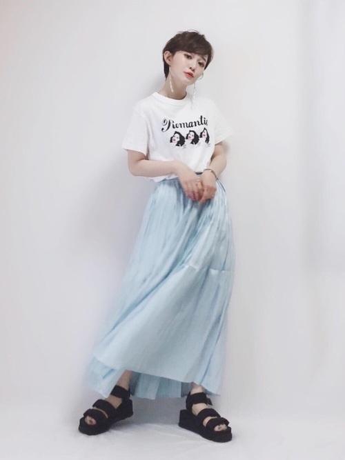 Tシャツ×スカートコーデ