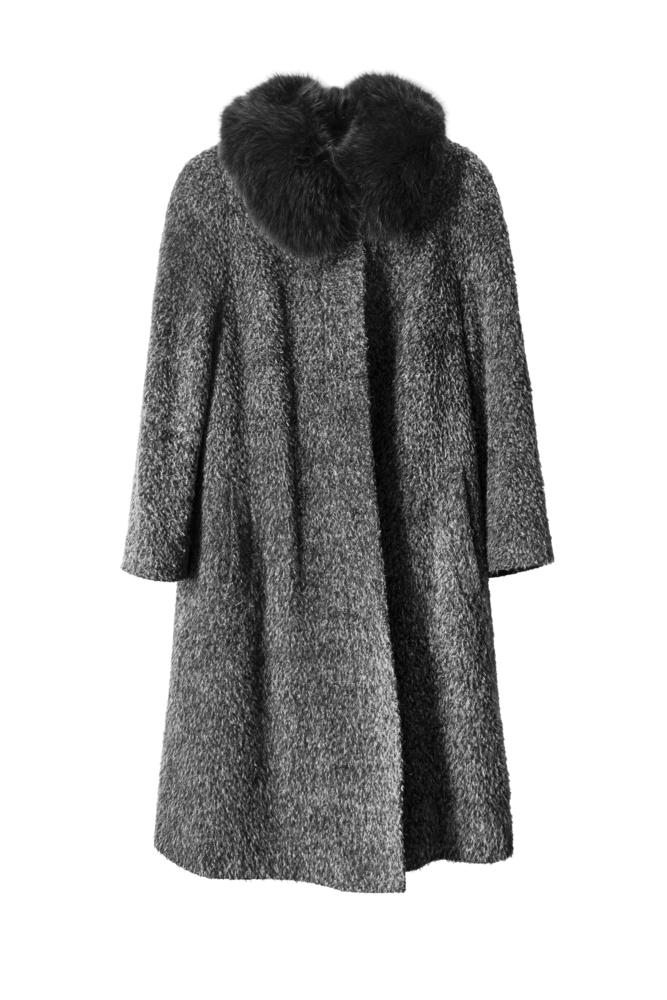 冬の結婚式に避けたいコートのデザイン