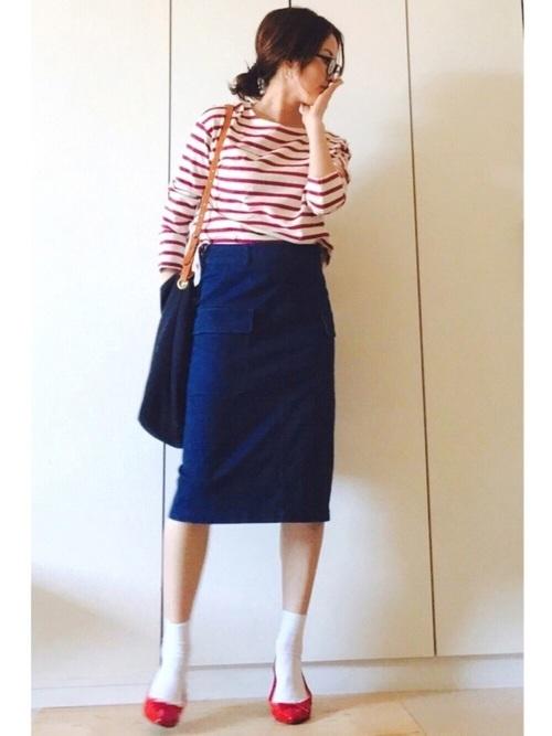赤ボーダー×青スカート