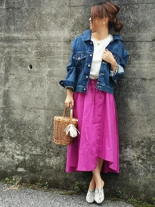 ローズピンクのスカート