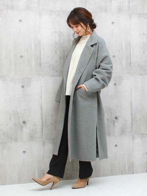 グレーのコート