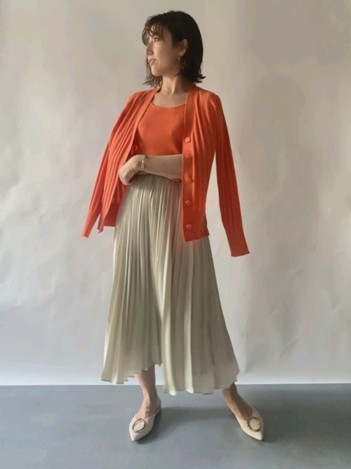 アイボリーのスカート