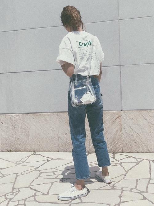 Tシャツを使ったロックライブの服装