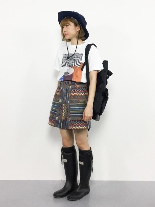 長靴を使ったロックライブの服装