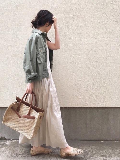 ミリタリージャケットを使った江ノ島デートの服装