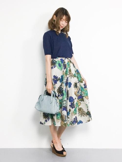 フレアスカートを使った江ノ島デートの服装